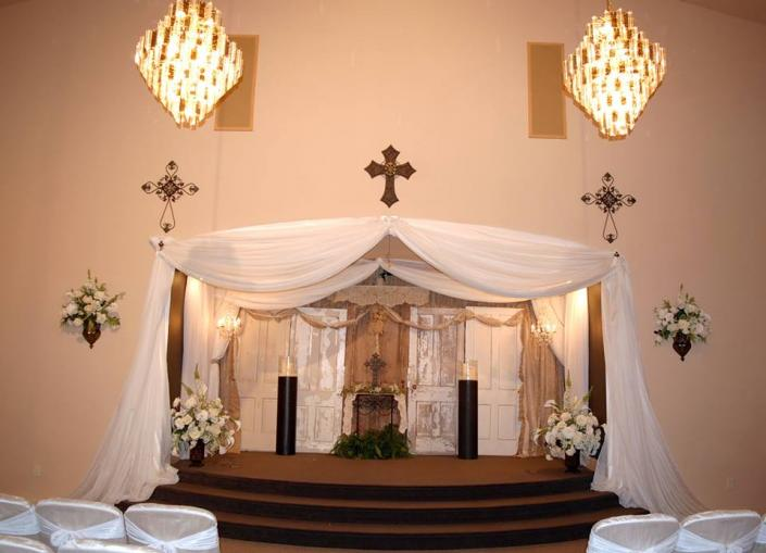 [Image: This is one of the many venues we have decorated. This one was for a rustic wedding touch]